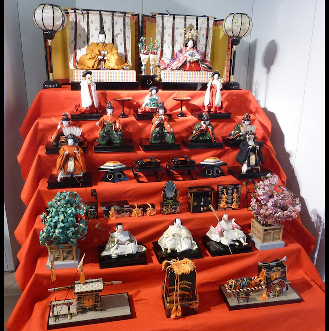 हिनामाचुरी (ひな祭り) अर्थात् 'डल फेस्टिवल'