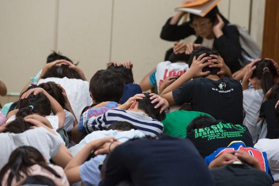जापानमा आणविक आक्रमण विस्फोट तथा क्षेप्यास्त्र खसे यसरी बच्न सकिन्छ