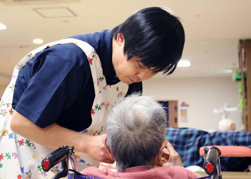 जापानमा बृद्धबृद्धा रेखदेखमै बर्षदिनमा १ सय खर्ब खर्च