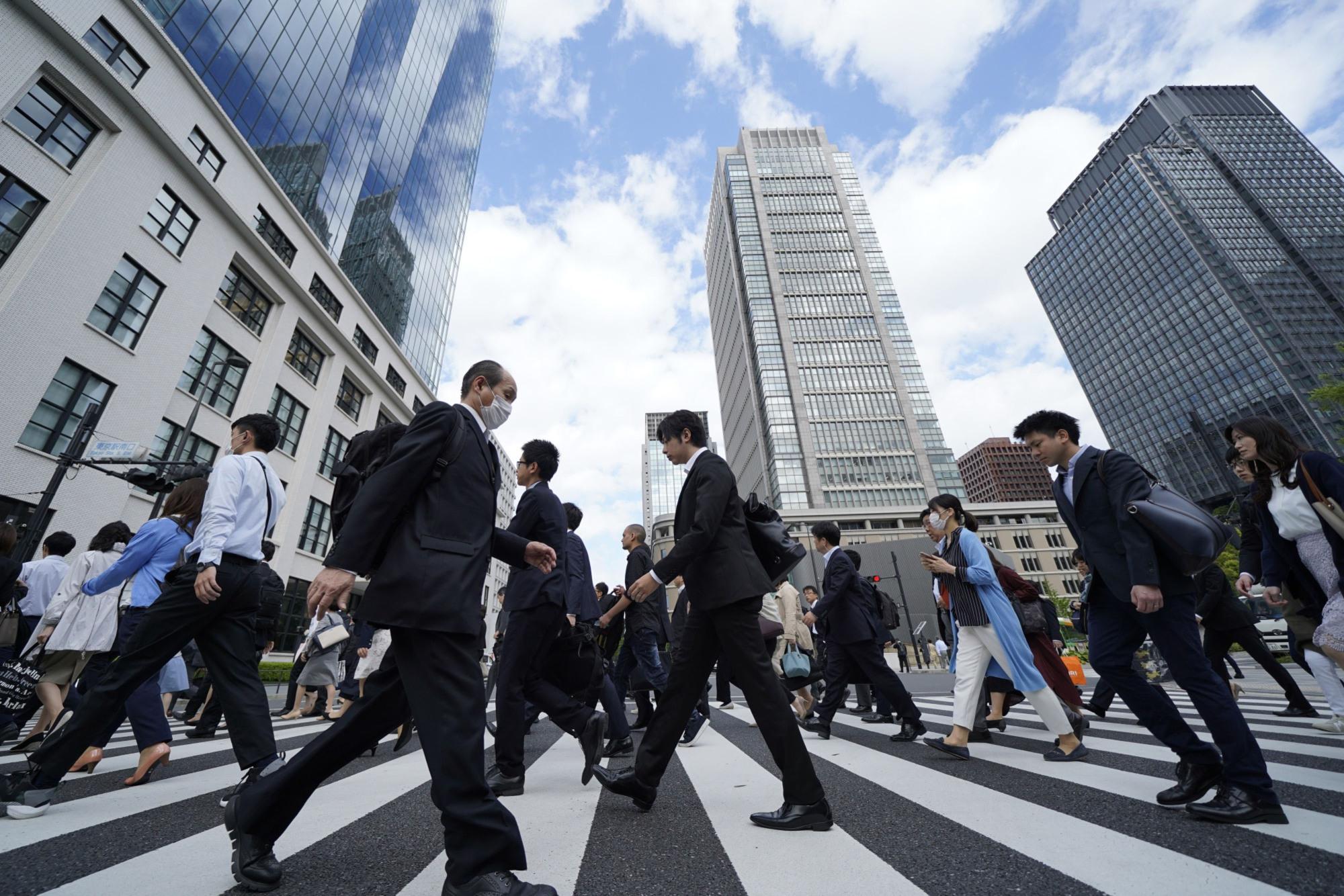 जापानमा हप्तामा तीनदिन बिदा दिने तयारी