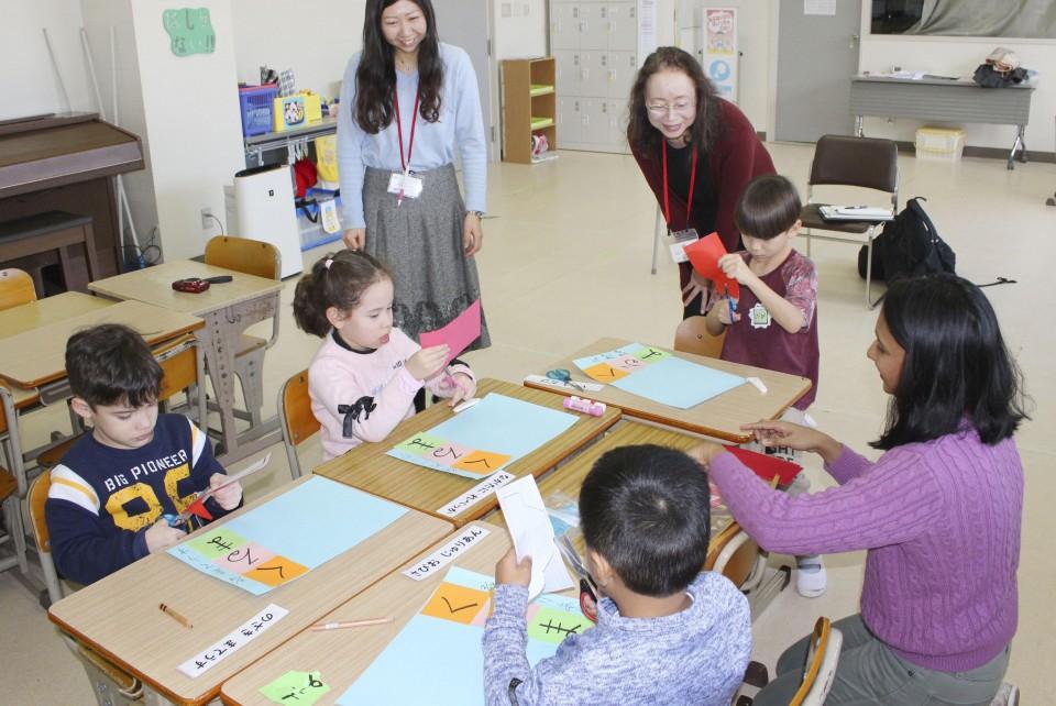 विदेशी बालबालिकालाई जापानले अध्ययनमा भाषागत सहयोग बढाउने