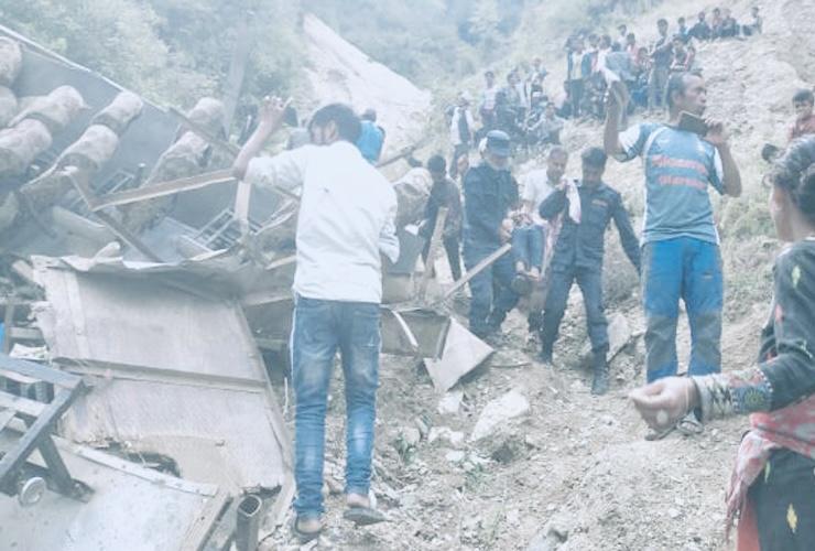 मुगु बस दुर्घटना : दशैं मनाउन घर फर्कंदै गरेका कम्तिमा २८ जनाले ज्यान गुमाए