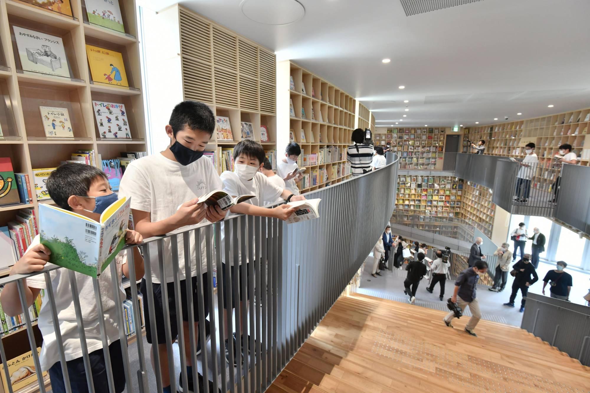 जापानी युवामा कोरोना महामारीले पुस्तक पढ्ने बानी बढायो