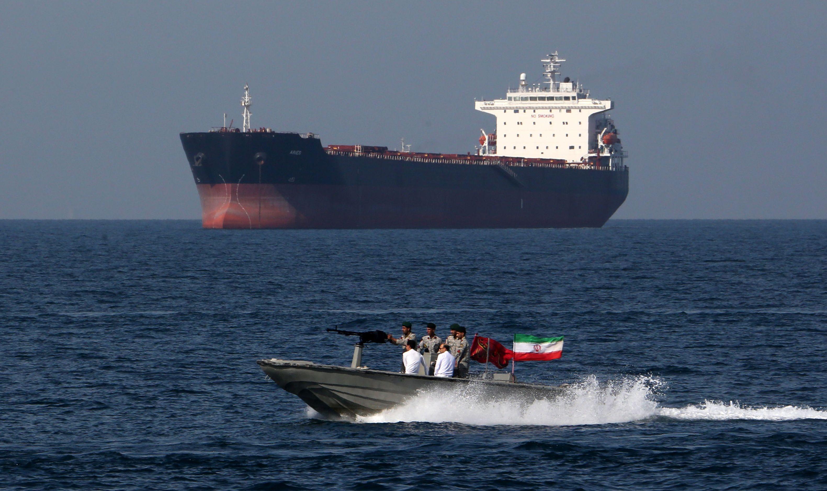 विश्व बजारमा तेलको मुल्य बढ्ने संकेत-बेलायतले आफ्नो ईन्धन ट्यांकर नियन्त्रणमा लिएपछि ईरानद्धारा त्यस्तै प्रयास