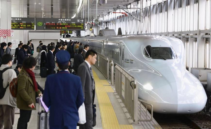 अब जापानमा रेलभित्र यात्रुको सुरक्षाको लागि कडा सुरक्षा नियम !