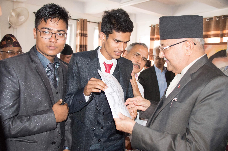 नेपाल जापान विद्यार्थी समाजद्धारा जापानका नेपाली विद्यार्थीको समस्याबारे प्रधानमन्त्री ओलीलाई ज्ञापनपत्र